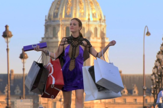 Blair-Waldorf-Shopping-in-Paris-Season-4